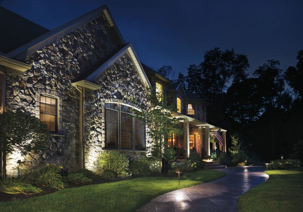 Lowvoltage landscape lighting